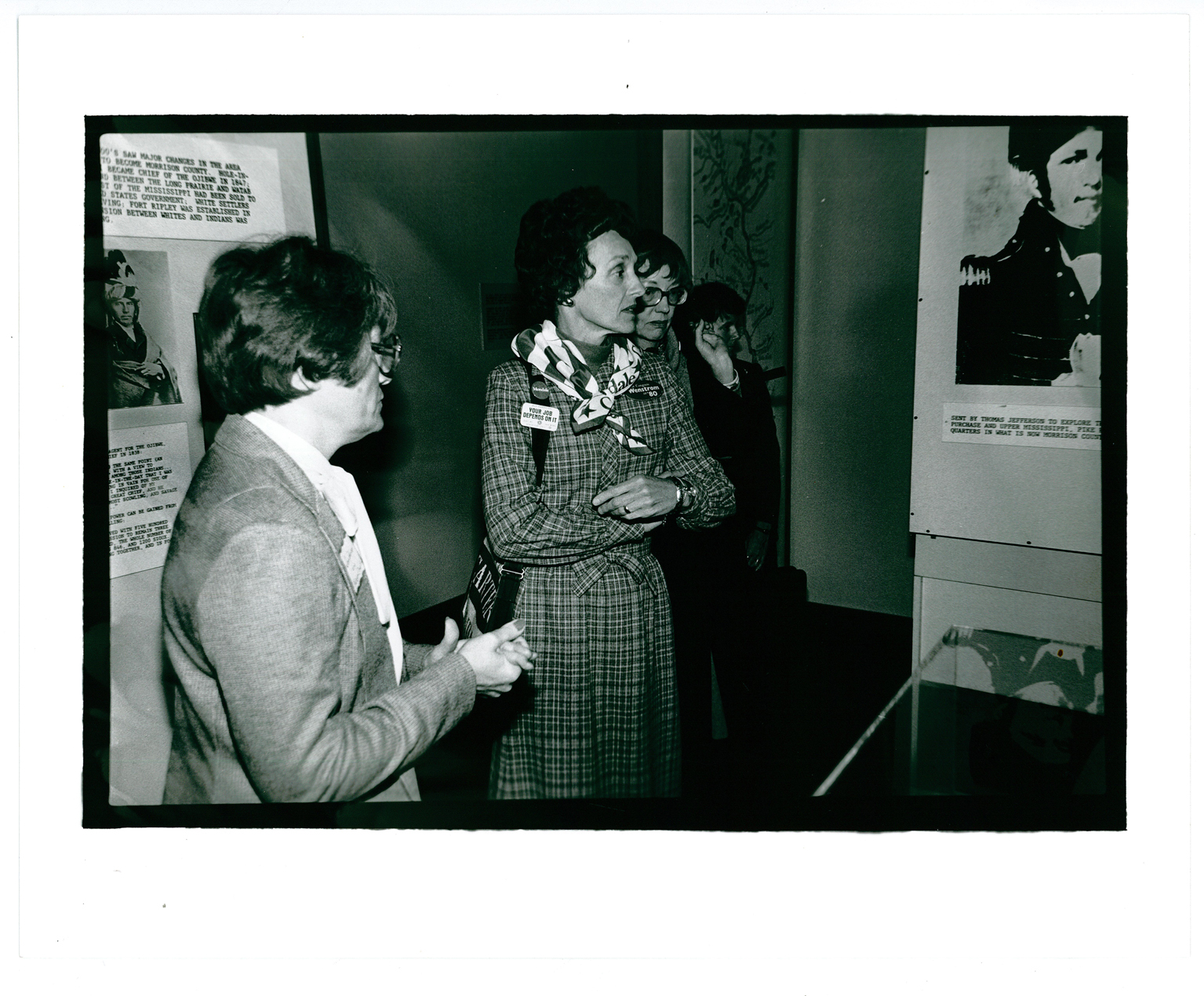 Jan Warner with Joan Mondale and two unidentified women, The Charles A. Weyerhaeuser Memorial Museum, Little Falls, MN, October 1980. MCHS Collections #1981.3.1.