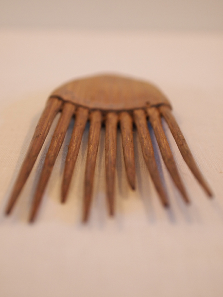 Wood comb - MCHS Collections, #1977.27.5