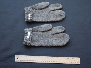 Three-fingered Mittens - MCHS Collections, #2004.71.7 & 8