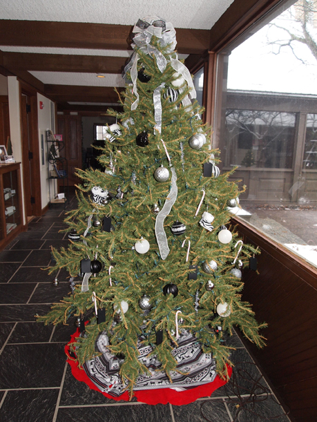 Black and white themed Christmas tree at the Weyerhaeuser Museum, decorated by Pat Quinn and Alice Smuda, December 2015.