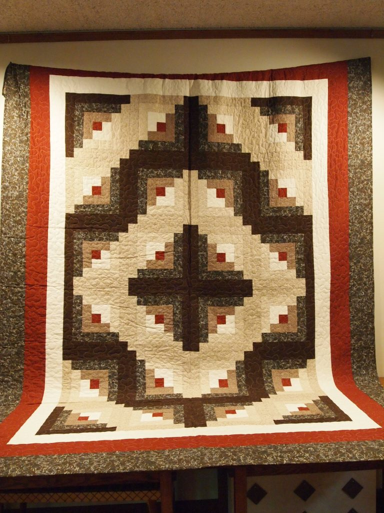 Log Cabin Quilt made by Char Welle, 2017 MCHS raffle prize.