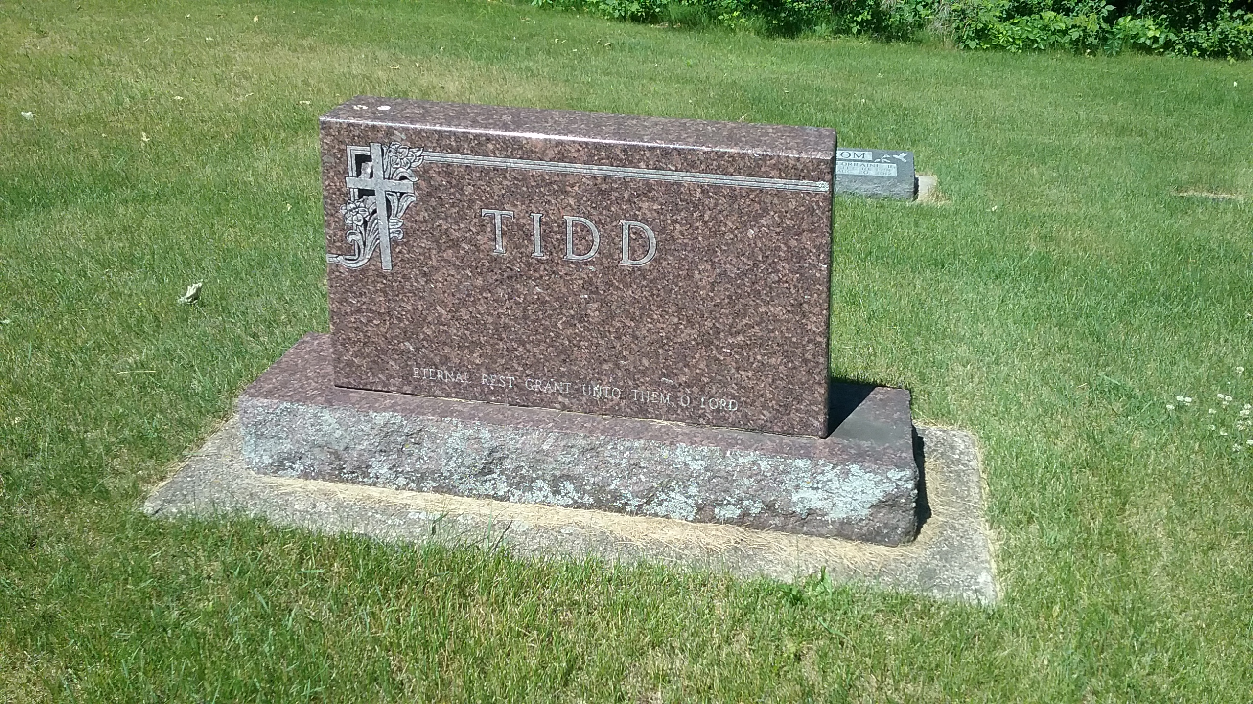 Tidd family grave marker, Calvary Cemetery, Little Falls, MN. Photo by Mary Warner, 2017.