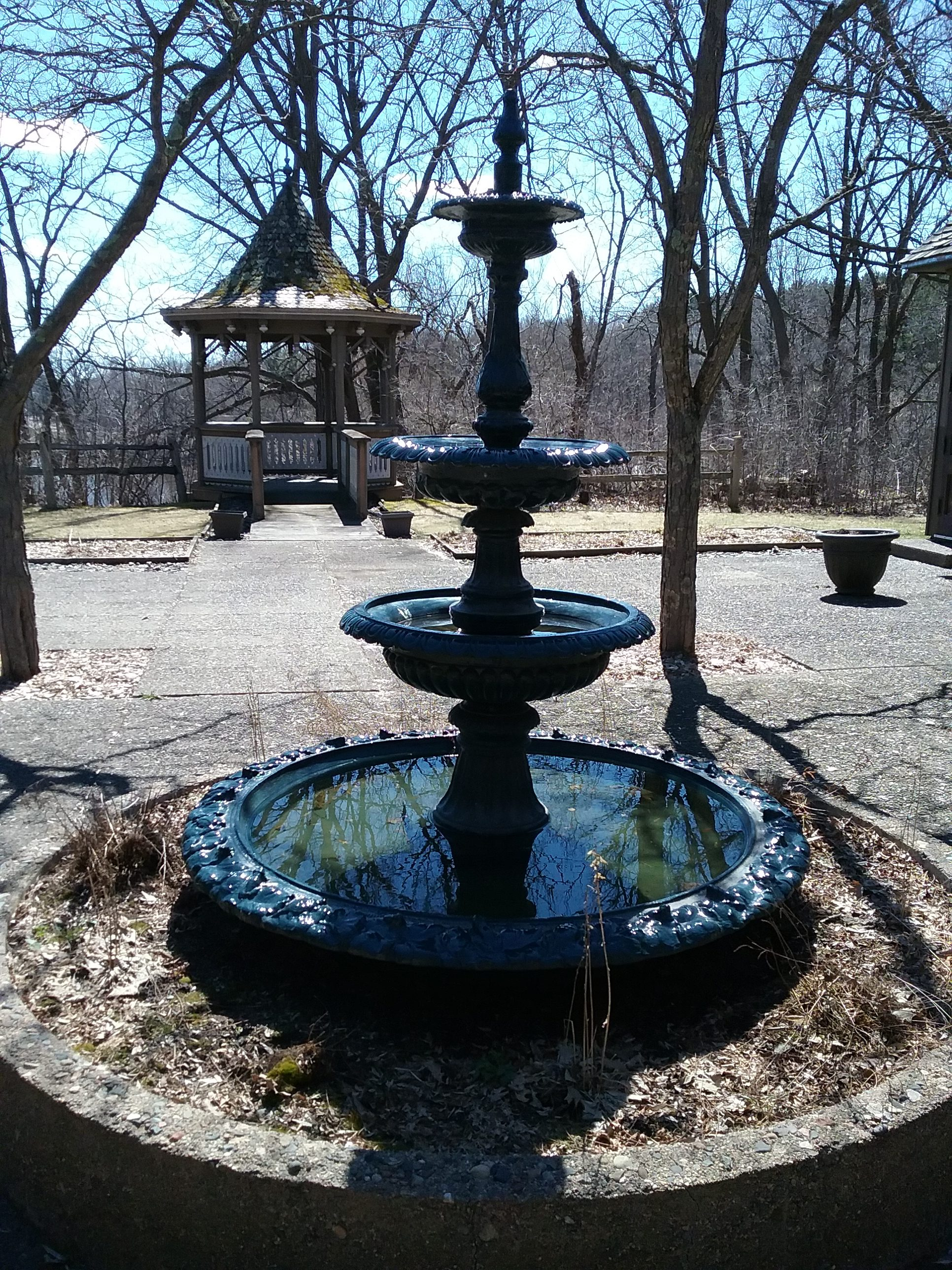 Fountain in the courtyard of The Charles A. Weyerhaeuser Memorial Museum dedicated to Laura Jane Moyer.